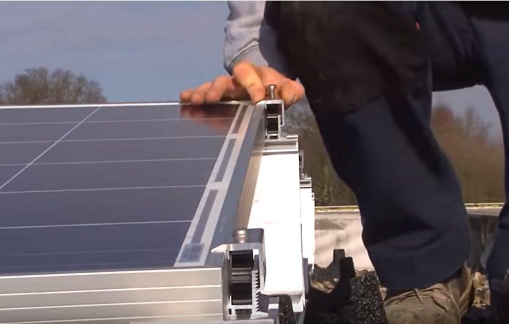 Pose panneaux solaires photovoltaiques
